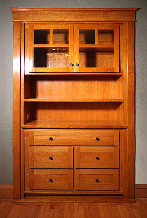 Edgewater Glen Built-In Hutch/ China Cabinet
